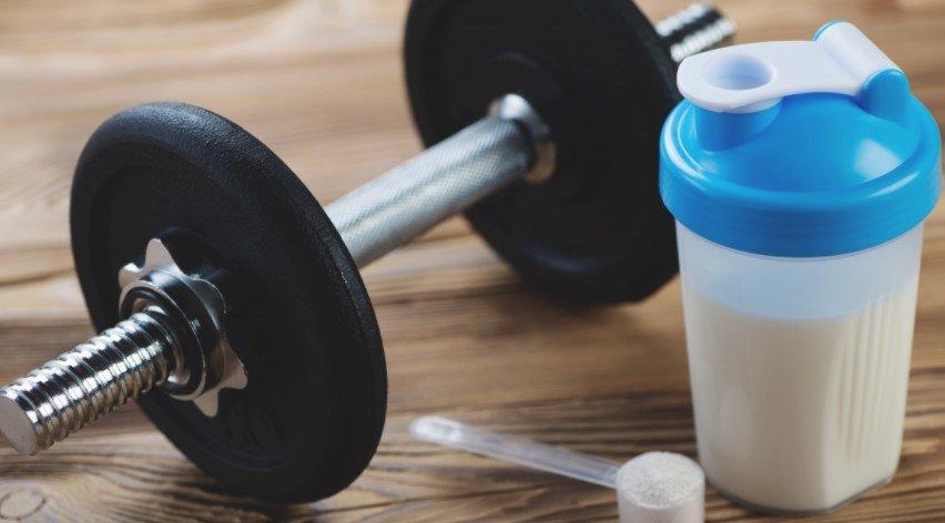 Нарастить мышцы с помощью протеиновых коктейлей