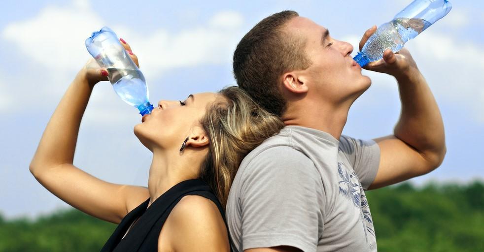 Рекомендация о 8-ми стаканах воды в день
